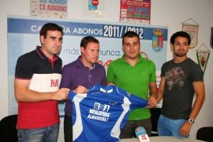 Como en su anterior etapa, Mario Simón contará con la ayuda de Carlos del Valle y Víctor López