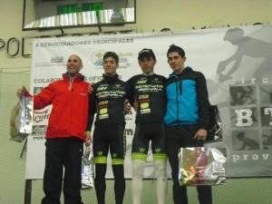 Aitor Escobar en el podio de la carrera BTT de Almansa. (FOTO: Archivo)