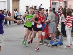 En la foto Raúl Pastor atleta del Coda que disputó la carrera de Ayora