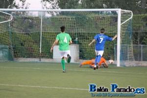 Peluche marcó dos goles en el partido.