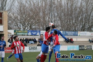 El Almansa fue superior al Pedroñeras, pero no tuvo gol.
