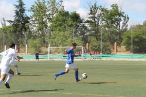 Manuel Jiménez con el Cadete A de la Escuela de Futbol Base Almansa. (FOTO: Cedida por EFB Almansa)