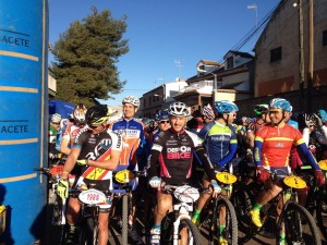 Madrona y Carpena en la salida de Villamalea.