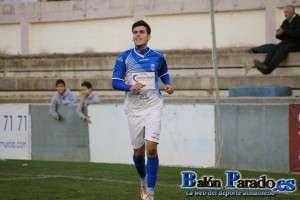 Paco Tomás fue el hombre del partido marcando los dos goles del triunfo almanseño