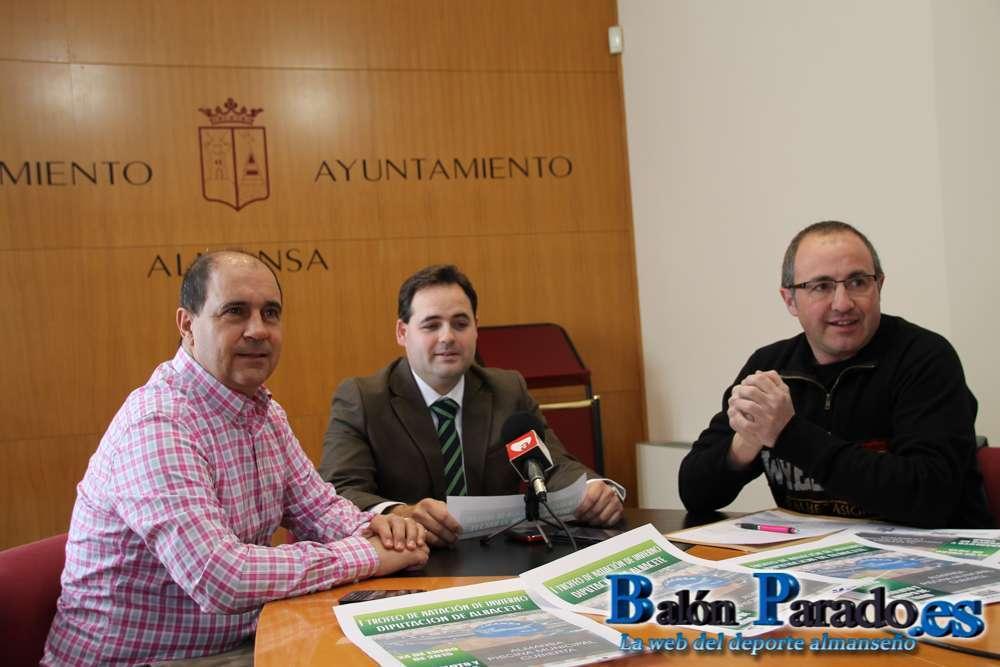 El c n almansa organiza el i trofeo de nataci n de for Piscina santa teresa albacete