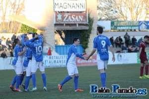 Abengózar celebra el primer tanto del partido con sus compañeros
