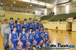 El equipo Junior del C.B. Almansa esperó a un Basket Cervantes que nunca llegó