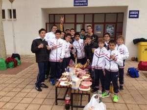 CDB Almantour Alevín 2ºaño celebrando el primer puesto.