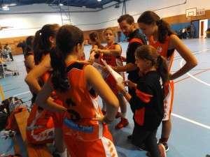 Triangular Baloncesto Femenino-5417